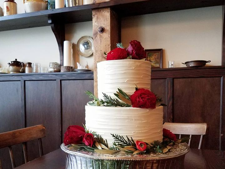 Tmx 15941209 10100190151212758 8539444084905397167 N 51 38581 Portland, OR wedding cake