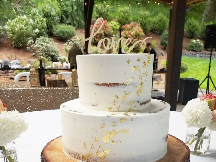 Tmx 18557204 10100257438952588 3790286314711384947 N 51 38581 Portland, OR wedding cake