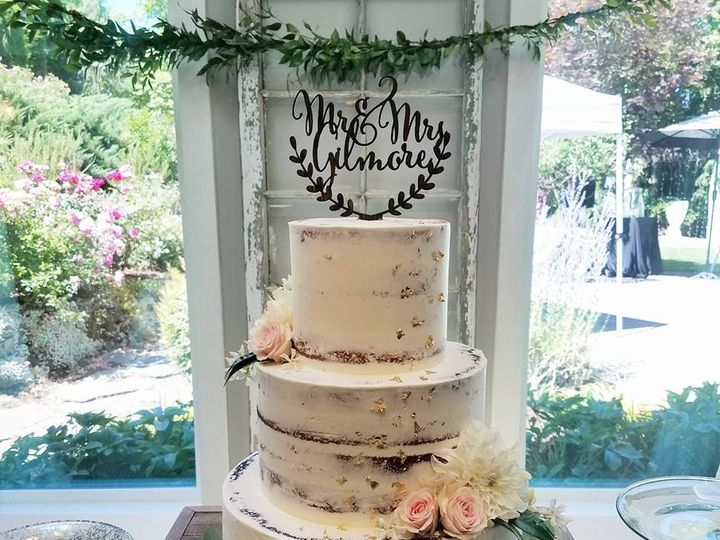 Tmx 20525631 10100299419343548 4252835536434735744 N 51 38581 Portland, OR wedding cake
