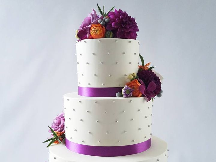 Tmx 22279692 10100331097585098 6098385171584697686 N 51 38581 Portland, OR wedding cake