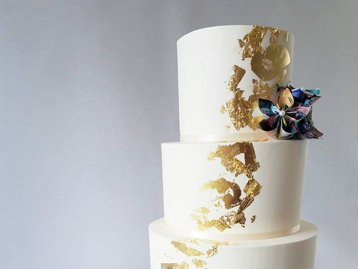 Tmx 22894512 10100340370117868 3704000033152199322 N 51 38581 Portland, OR wedding cake