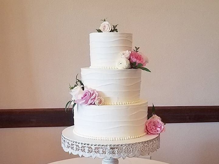 Tmx 36607673 10100446490416938 4218094184629796864 N 51 38581 Portland, OR wedding cake