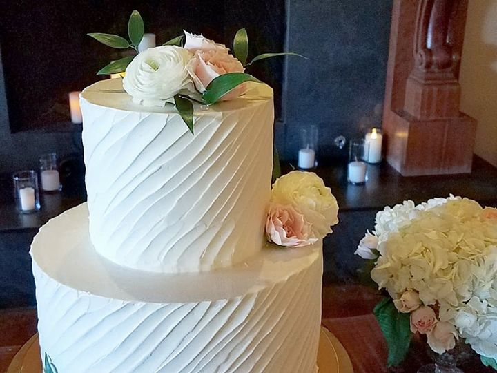 Tmx 37008553 10100450231155468 7086658470321061888 N 51 38581 Portland, OR wedding cake