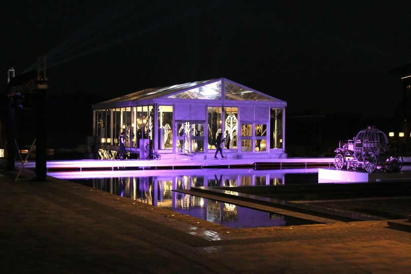 Transparent wedding marquee tent with full accessories to make a romantic and impressive wedding...