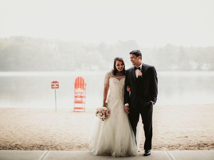 Tmx 161104 51 783681 1564707874 North Andover wedding photography