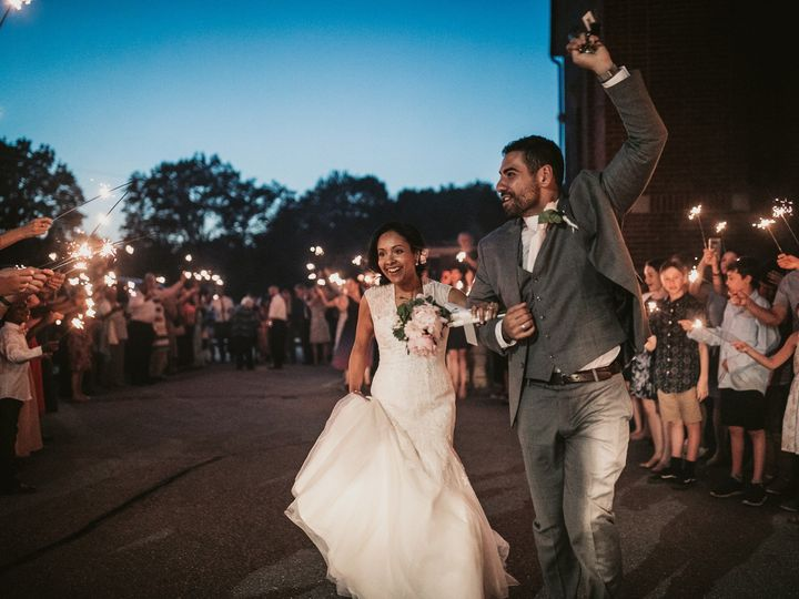 Tmx 210032 51 783681 1564707902 North Andover wedding photography