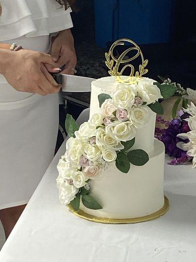 Classic cake florals