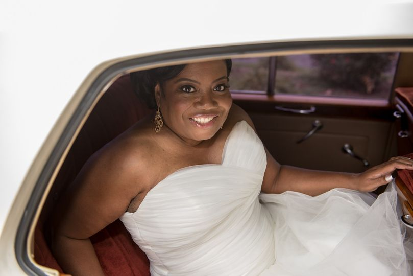 Bride arriving in style