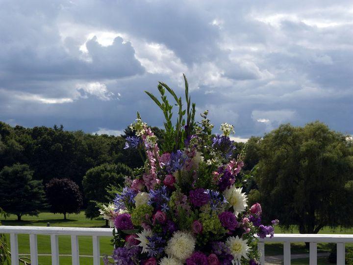 Tmx 1518025526 Cb63f99ed61d68ed 1518025524 169b39b2fd589ee7 1518025507425 16 DSC 1805 Exposure Natick, Massachusetts wedding florist