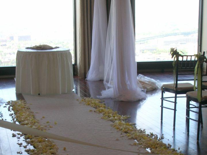 Tmx 1518025727 73cc80a55e4139c7 1518025721 F5bf8efd057eac0f 1518025719 Ea8c34e4b72b7e28 151802 Natick, Massachusetts wedding florist