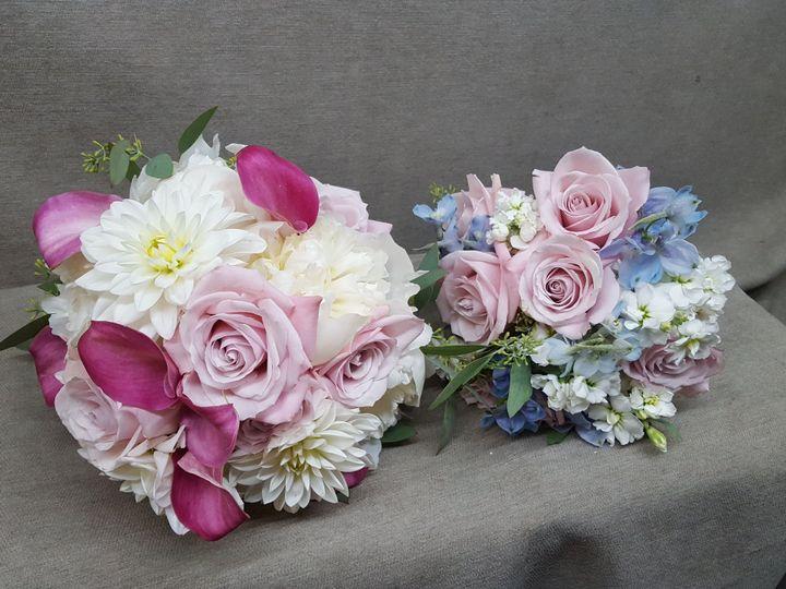 Tmx 1518031710 61a9170ff386b5bf 1518031707 De2055e99a588a85 1518031703957 11 20170624 091828 Natick, Massachusetts wedding florist