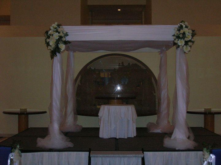 Tmx 1518032246 2a60f733f8c0e3b7 1518032244 2397bc5937e6e9a1 1518032243059 5 Rothenberg Wedding Natick, Massachusetts wedding florist