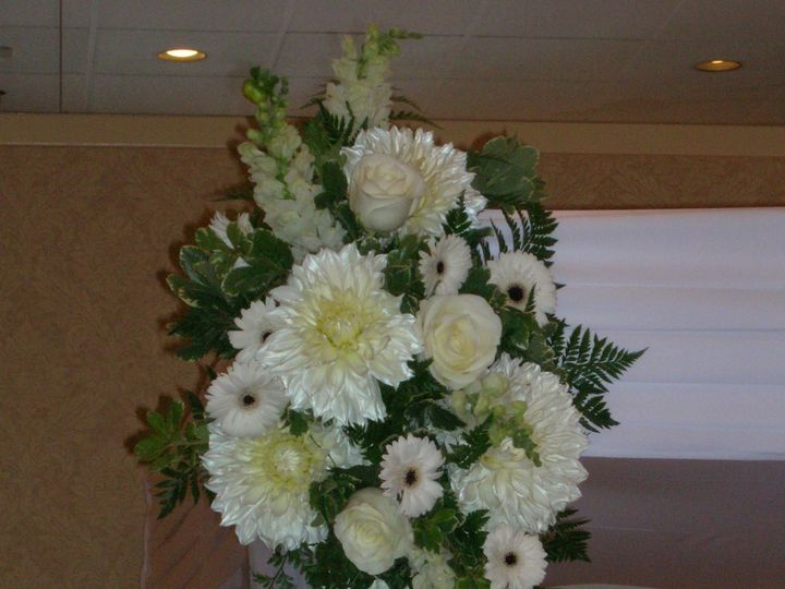 Tmx 1518032300 Ded6d94f4052235a 1518032268 A4b570024b2a3652 1518032266157 7 Studio Ceremony Fl Natick, Massachusetts wedding florist