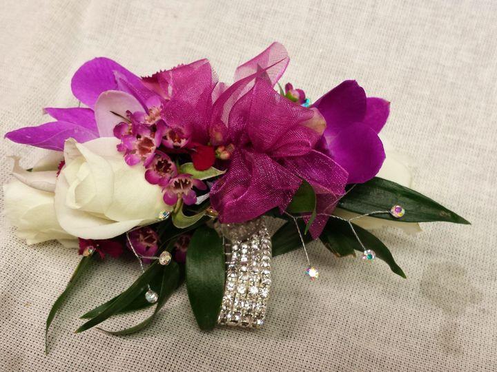 Tmx 1518032544 804ff1f03913aa02 1518032542 9d74576b71ddc3ef 1518032539911 20 20140501 184619 Natick, Massachusetts wedding florist