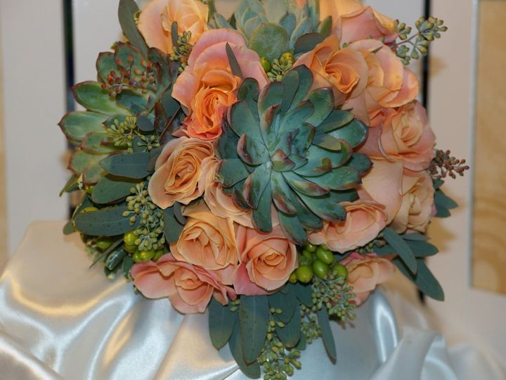 Tmx 1363122139013 DSC02106 Minneapolis, Minnesota wedding florist