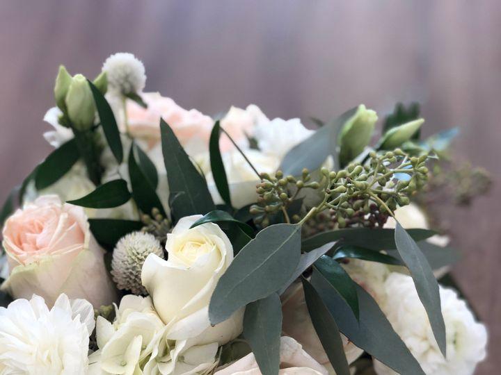 Tmx Img E5580 51 1893781 157428539344645 Ashland, MA wedding florist