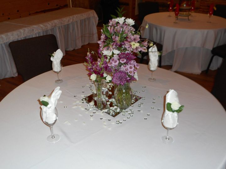 Table centerpiece and glasses