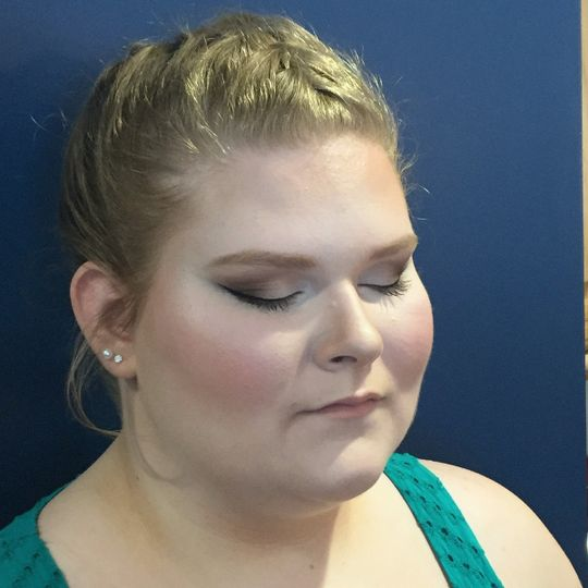 Loght makeup