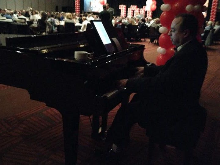 Tmx Mike Piano 2 51 1073881 1561397040 Mountlake Terrace, WA wedding ceremonymusic