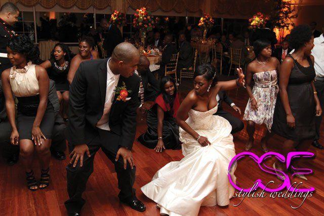 Tmx 1363125407375 Citysoundsentertainmentcseweddingbrideandgroomlinedance East Brunswick wedding dj