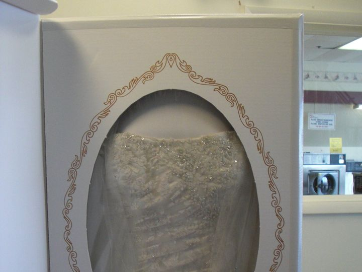 Tmx 9 Be Sure Gown Is Centered And Tape Box Closed 019 51 85881 Lemoyne, PA wedding dress