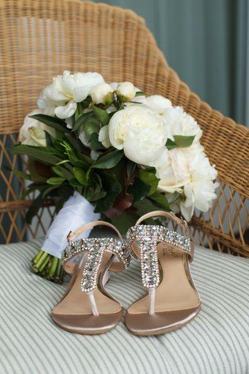Bride's bouquet and shoes