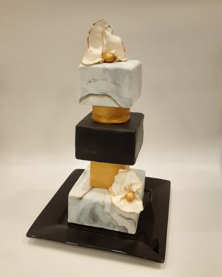 Abstract and elegant cakes