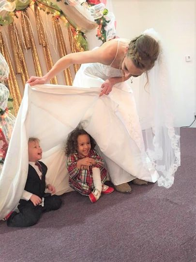 Bride and her niece and nephew