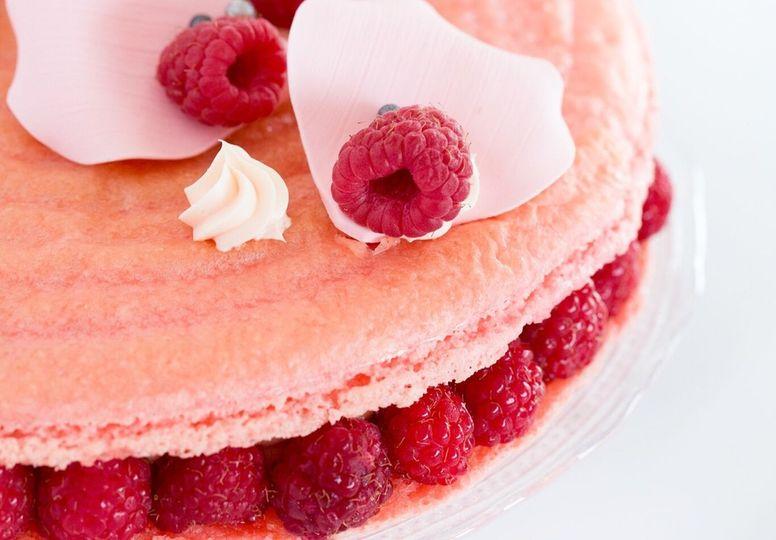 macaron cake 51 2013981 161399472619812