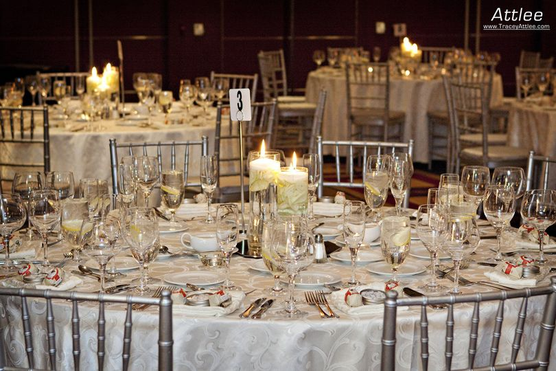 800x800 1374272825030 tablesetupdamask