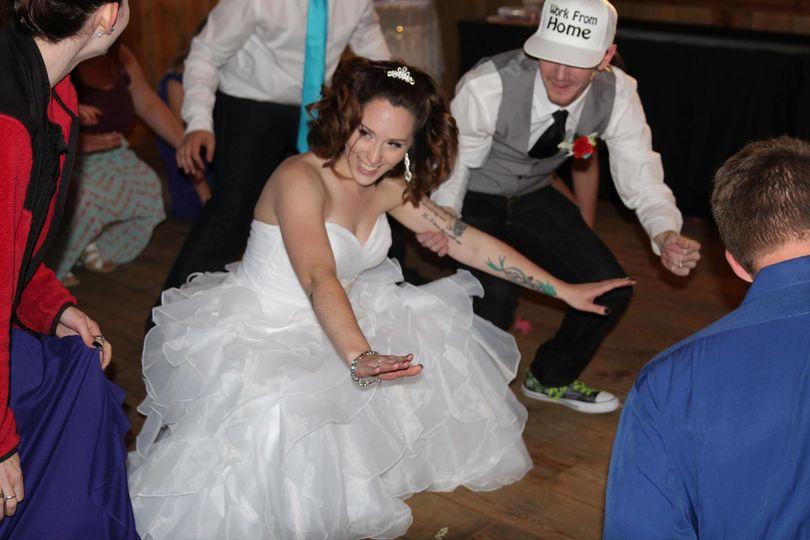 Bride dancing | Lady Bug Photography