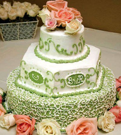 Green cake with elegant patterns