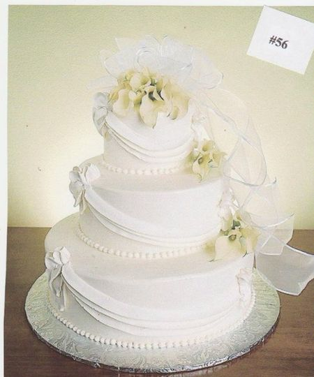 Wedding cake with veil decor
