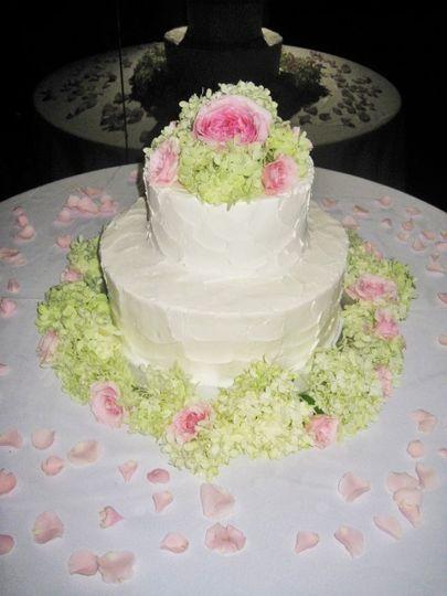 Flowers surrounding the cake