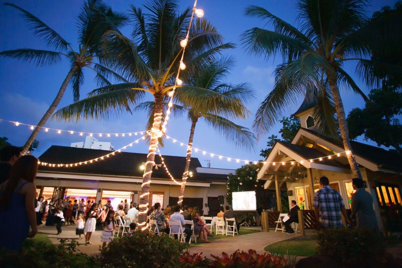 The willows venue honolulu hi weddingwire for Best private dining rooms honolulu