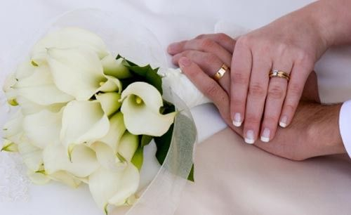 Calla lillies and hand rings