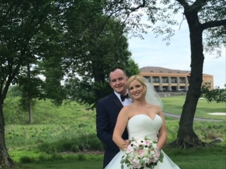 Tmx Couple With Bldg In Background 51 563091 1556827907 Kenilworth, NJ wedding venue