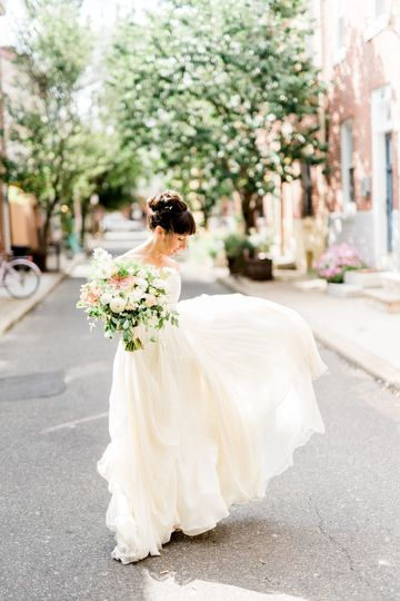 1d96c59015e57632 haley richter photography maas building summer wedding philade