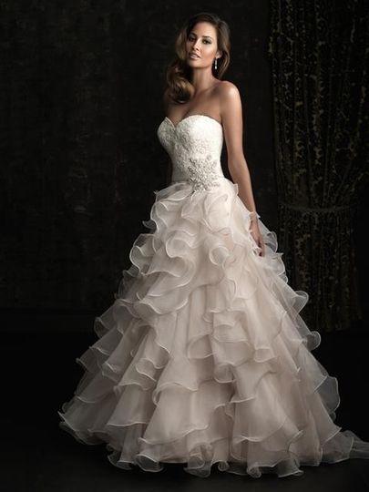 Minerva 39 s bridal suite dress attire orlando fl for Wedding dresses orlando fl
