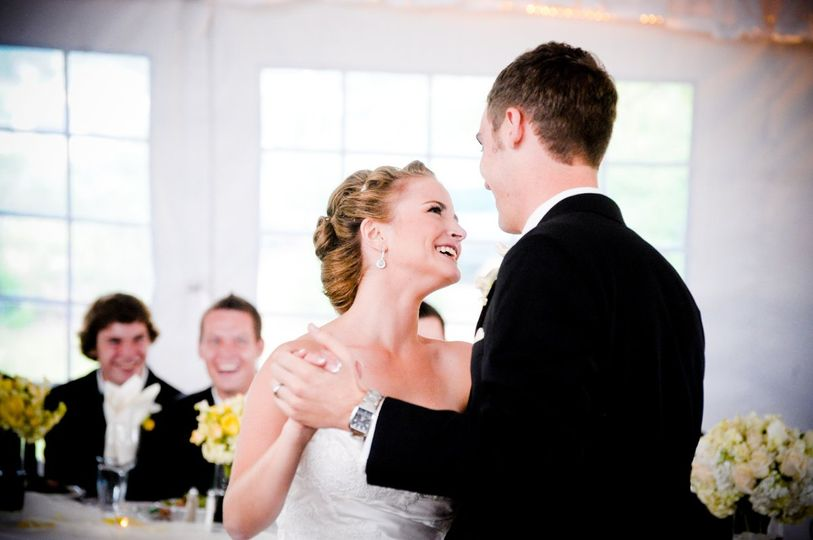 Designing romantic, classy, seamless and INCREDIBLY FUN wedding celebrations!