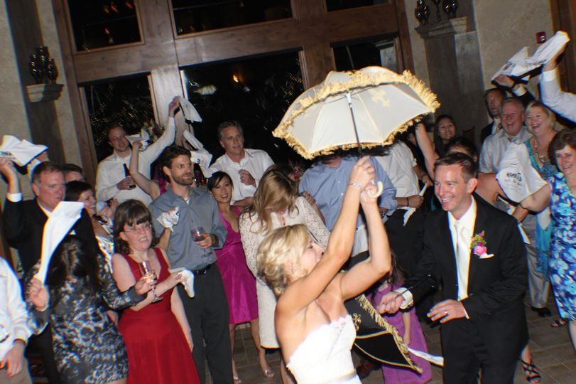 Consistently creating classy, unique and distinctively memorable weddings and receptions at Della...