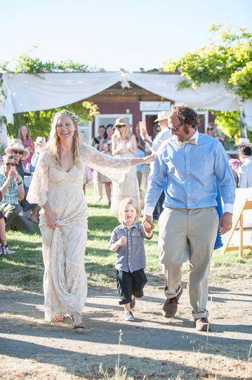 country life bohemian style wedding family photogr