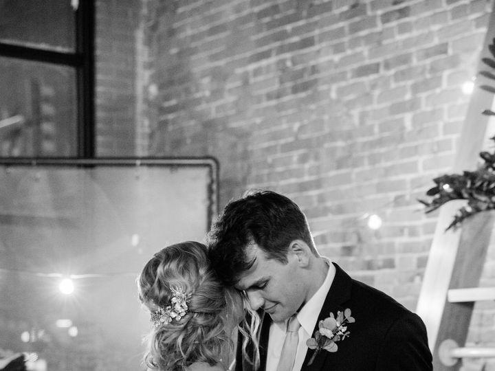 Tmx Img 0421 51 1906191 160151786178415 Kansas City, MO wedding beauty