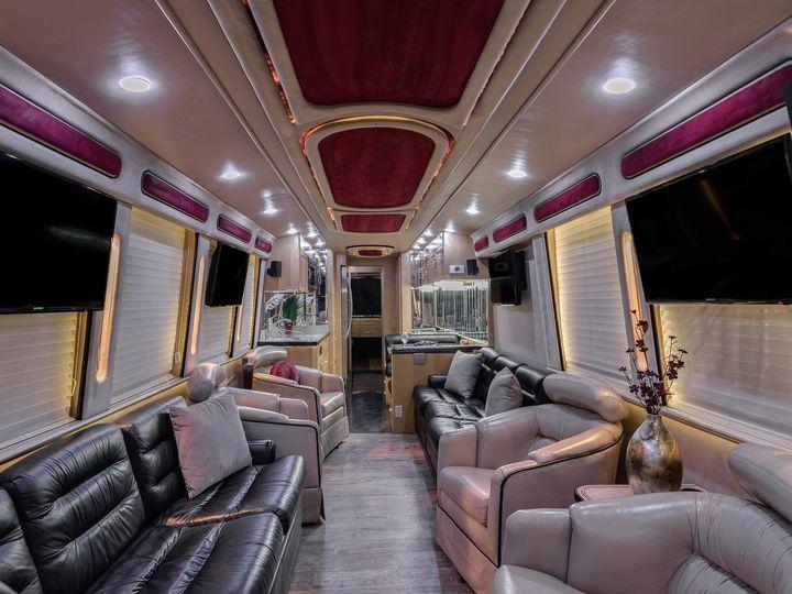 Tmx 1999prevostroyalew 13 51 1988191 160027825876649 Austin, TX wedding transportation
