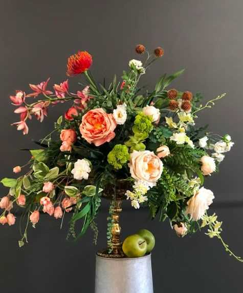 Wedding Flowers by Robyn at Rohsler's Allendale Nursery & Florist