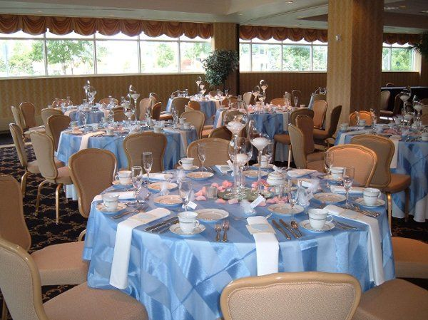 Blush blue round tables