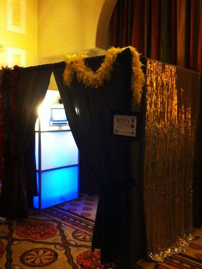 itegphotobooths light up upgraded photo booth additional charges apply 02 03