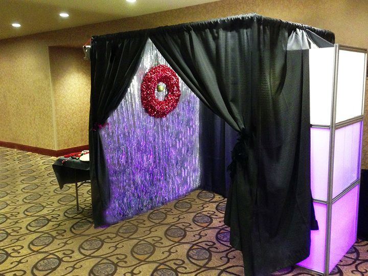 itegphotobooths light up upgraded photo booth additional charges apply 03