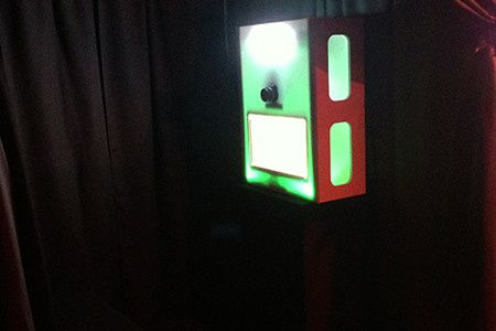 itegphotobooths mini light up upgraded photo booth additional charges apply 01
