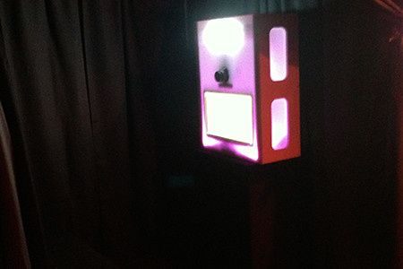 itegphotobooths mini light up upgraded photo booth additional charges apply 02
